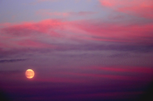 magenta-full-moon-rise-web